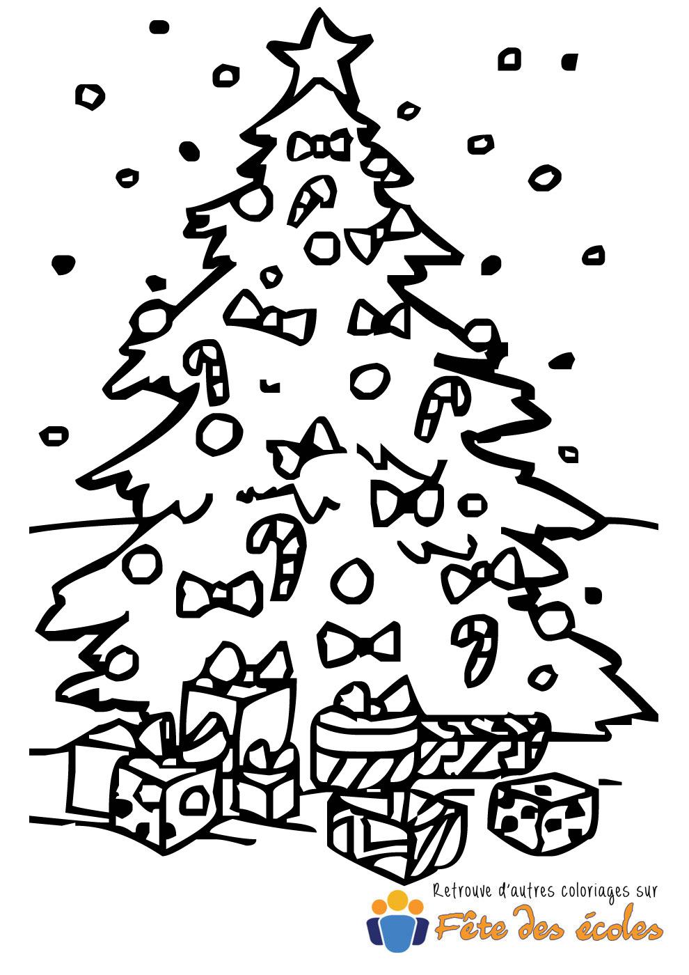 Coloriage d'un sapin de Noël avec cadeaux